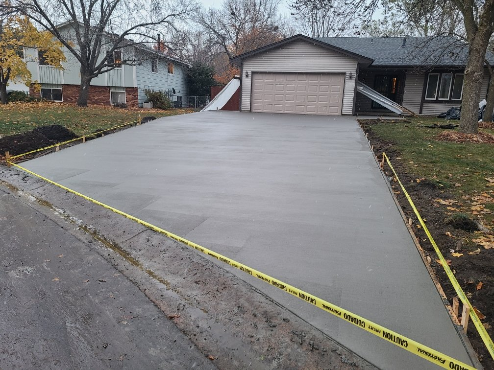 concrete driveway Andover MN